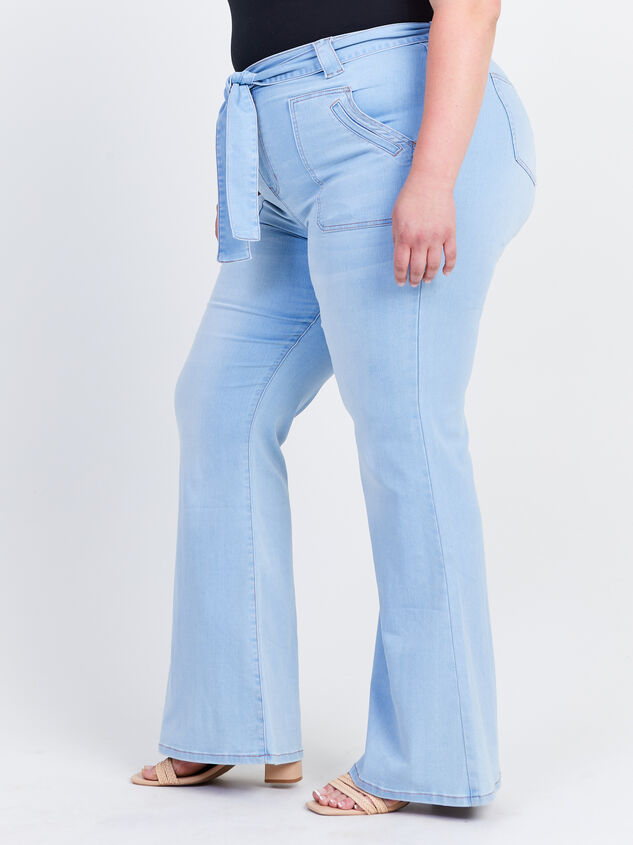 Blue Eyes Flare Jeans Detail 3 - ARULA