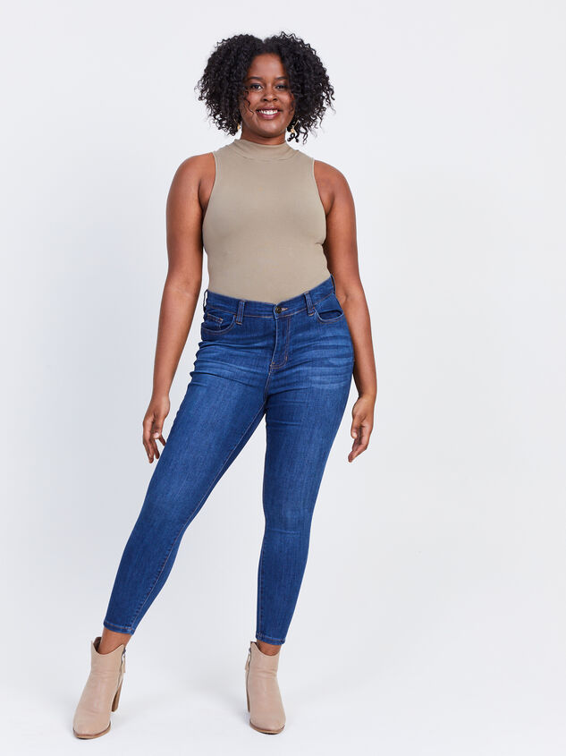 Kaiser Curvy Jeans Detail 5 - ARULA formerly A'Beautiful Soul