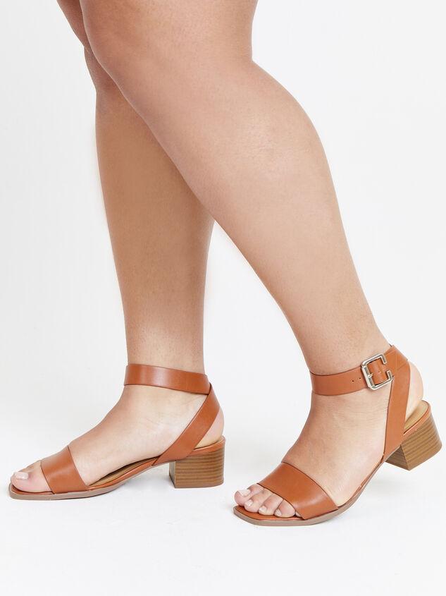 Amia Wide Width Block Heels Detail 6 - ARULA