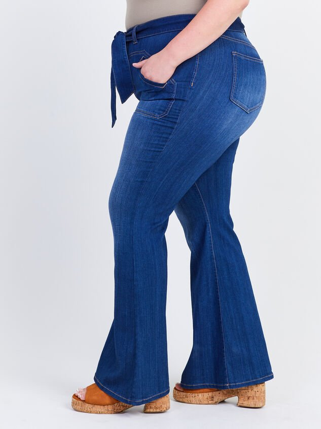 Elise Flare Jeans Detail 3 - ARULA formerly A'Beautiful Soul