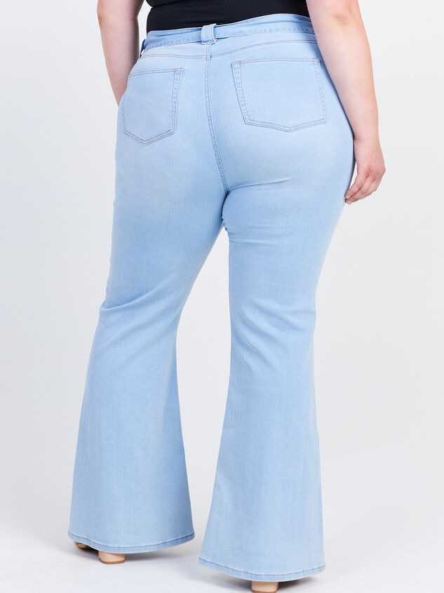 Blue Eyes Flare Jeans Detail 4 - ARULA