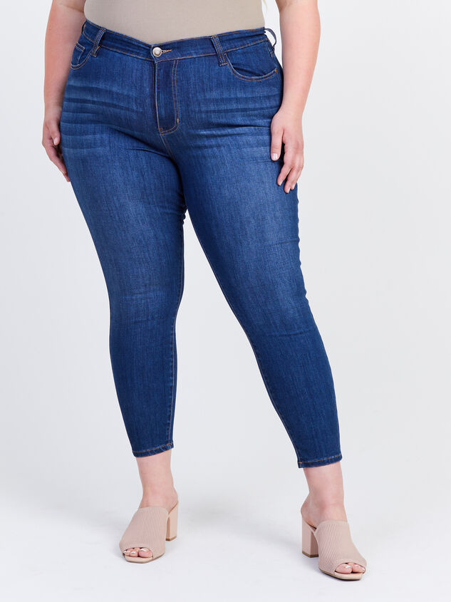 Kaiser Curvy Jeans Detail 2 - ARULA formerly A'Beautiful Soul