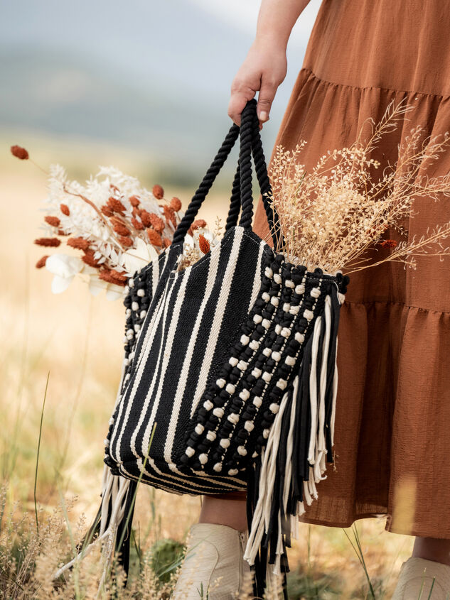 Willow Woven Bag Detail 5 - ARULA