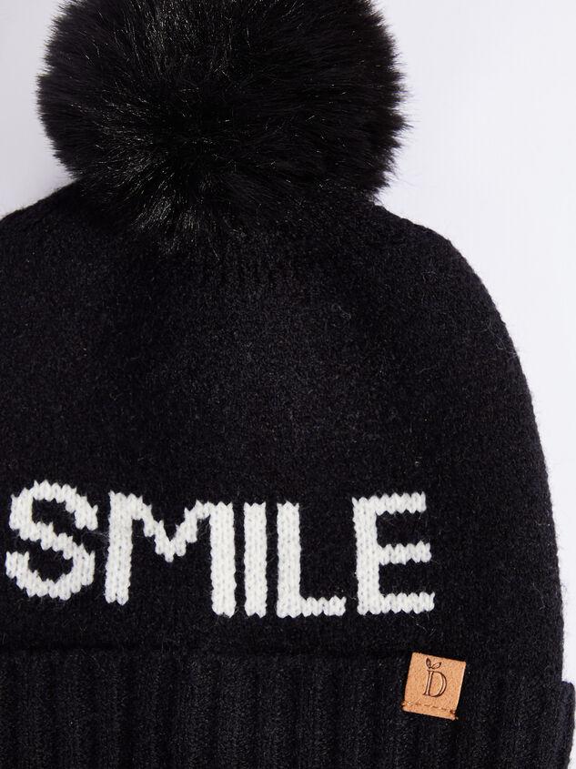 Smile Beanie Detail 2 - ARULA