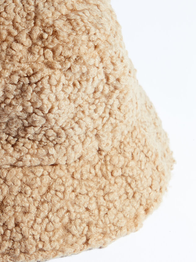 Teddy Bucket Hat Detail 2 - ARULA