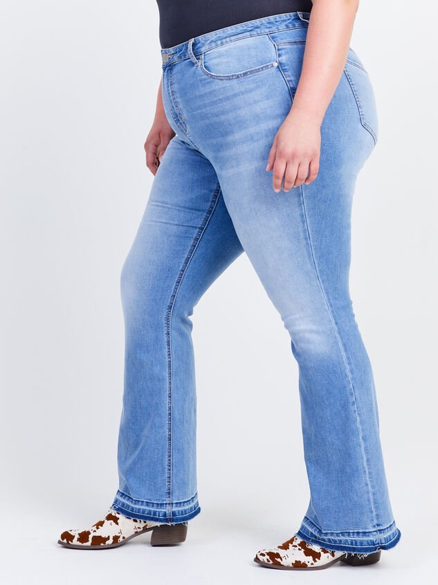 Incrediflex Release Flare Jeans Detail 3 - ARULA formerly A'Beautiful Soul