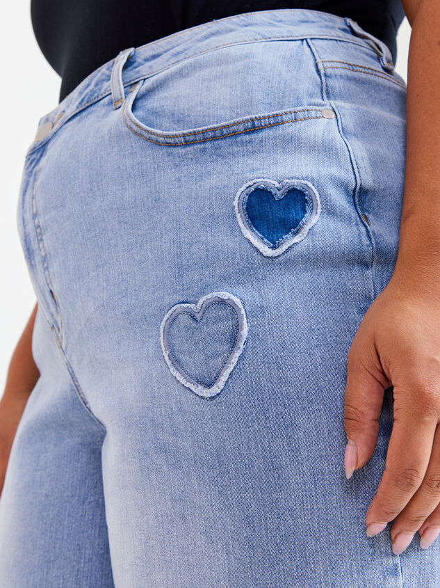 Incrediflex Embroidered Heart Jeans Detail 5 - ARULA